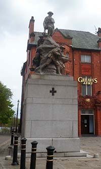 Oldham war memorial before works © WMT 2012
